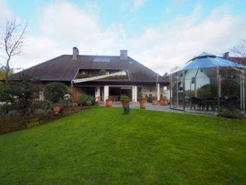 Landhausvilla mit Parkanlage und Innenschwimmbad in bester Lage von Alt- Meererbusch!, 40667 Meerbusch, Einfamilienhaus zum Kauf