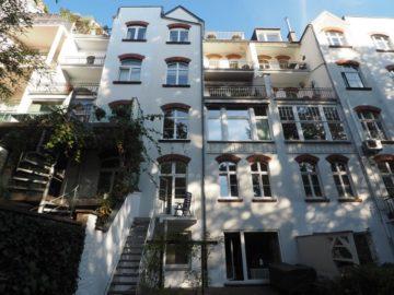 KAISER-WILHELM-RING! Renoviertes Apartment mit neuer EBK, kl. Balkon & Zugang zum Garten, 40545 Düsseldorf, Etagenwohnung zur Miete