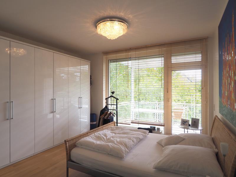 Spitzenlage In Oberkassel Hochwertige Wohnung Am Rhein Mit Einbaukuche Fohrer Immobilien Gmbh