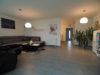 Haus-im-Haus Einheit! Moderne 3-Zimmer-Maisonette-Whg. mit Wintergarten und Garten - Wohnbereich