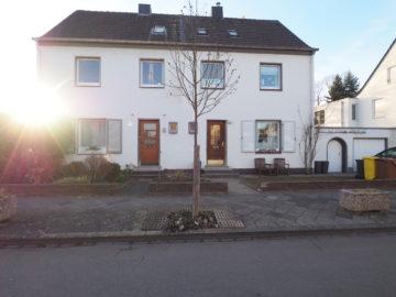 WOHNEN AM PARK! Familienfreundliche Doppelhaushälfte im beliebten Dreikönigenviertel, 41464 Neuss, Doppelhaushälfte zum Kauf