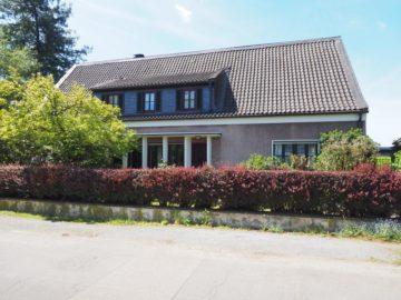 Freistehendes Einfamilienwohnhaus mit 2 großzügigen Einliegerwohnungen, 47800  Krefeld, Einfamilienhaus zum Kauf