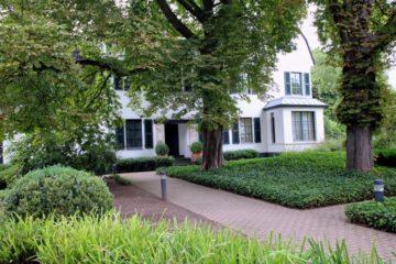 Alt Meererbusch!  Luxus-Eigentumswohnung in repräsentativer Villa!, 40667 Meerbusch, Etagenwohnung zum Kauf