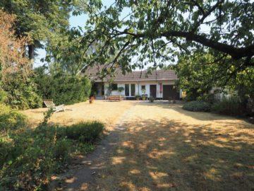 Für Gartenliebhaber! Familienfreundliches EFH mit Garage und großem Grdst., 40668 Meerbusch, Einfamilienhaus zur Miete