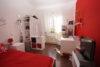 Modern Wohnen im Altbau! Gepflegte 2-Zimmer-Wohnung in Düsseldorf-Flingern - Schlafzimmer