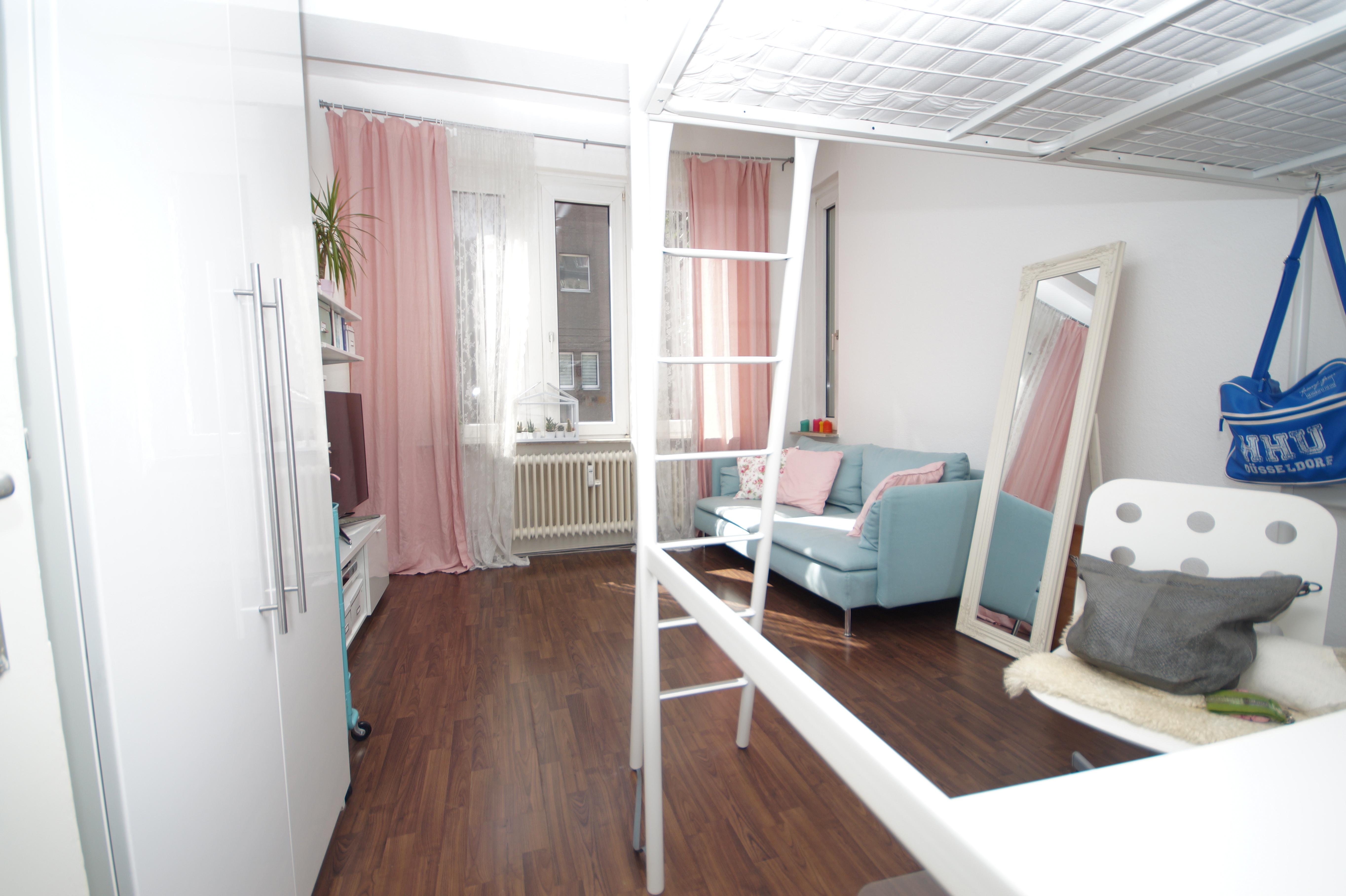 modern wohnen im altbau gepflegte 2 zimmer wohnung in. Black Bedroom Furniture Sets. Home Design Ideas