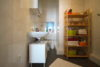 Modern Wohnen im Altbau! Gepflegte 2-Zimmer-Wohnung in Düsseldorf-Flingern - Bad