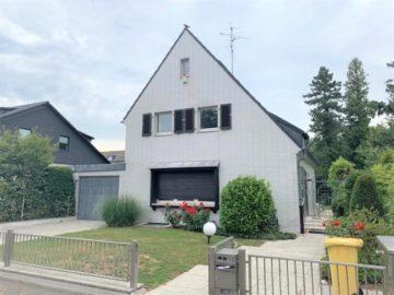 Familien aufgepasst! Renovierungsbedürftiges Einfamilienhaus mit Grünblick, 40474 Düsseldorf, Einfamilienhaus zum Kauf