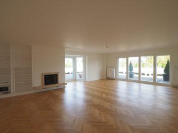 Penthousewohnung mit weitläufiger Dachterrasse! 5-Zimmer-Wohnung mit Kamin und 2 Bädern, 40667 Meerbusch, Etagenwohnung zur Miete
