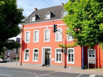Modern im Altbau wohnen: Zentrale 4-Zimmer-Maisonette im renovierten Zustand, 40667 Meerbusch, Etagenwohnung zur Miete