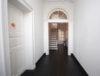 Modern im Altbau wohnen: Zentrale 4-Zimmer-Maisonette im renovierten Zustand - Hausflur