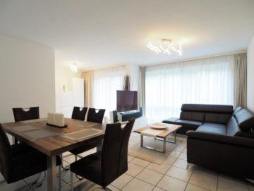Zeitlos und komfortabel! 3-Zimmer-Wohnung in moderner Mehrfamilien-Stadtvilla, 40667 Meerbusch, Etagenwohnung zur Miete